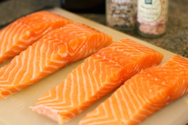 preparing-to-cook-salmon-fillets-in-pan